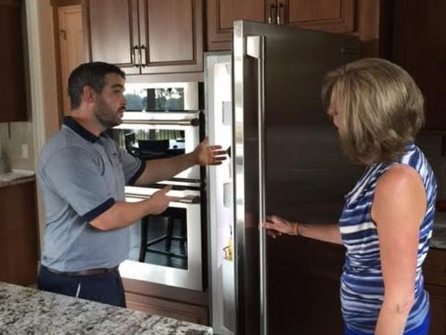 Dịch vụ sửa tủ lạnh Electrolux bị chảy nước